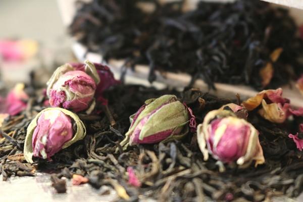 Rosen Tee (Schwarzer Tee)