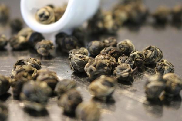 Jasmin ´Jade Pearls` (nur durch Jasminblüten aromatisiert)